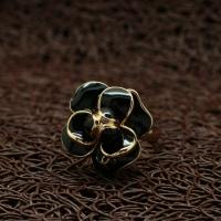 """Кольцо с эмалью """"Coco Chanel in Black"""" (17.0 размер в наличии)"""